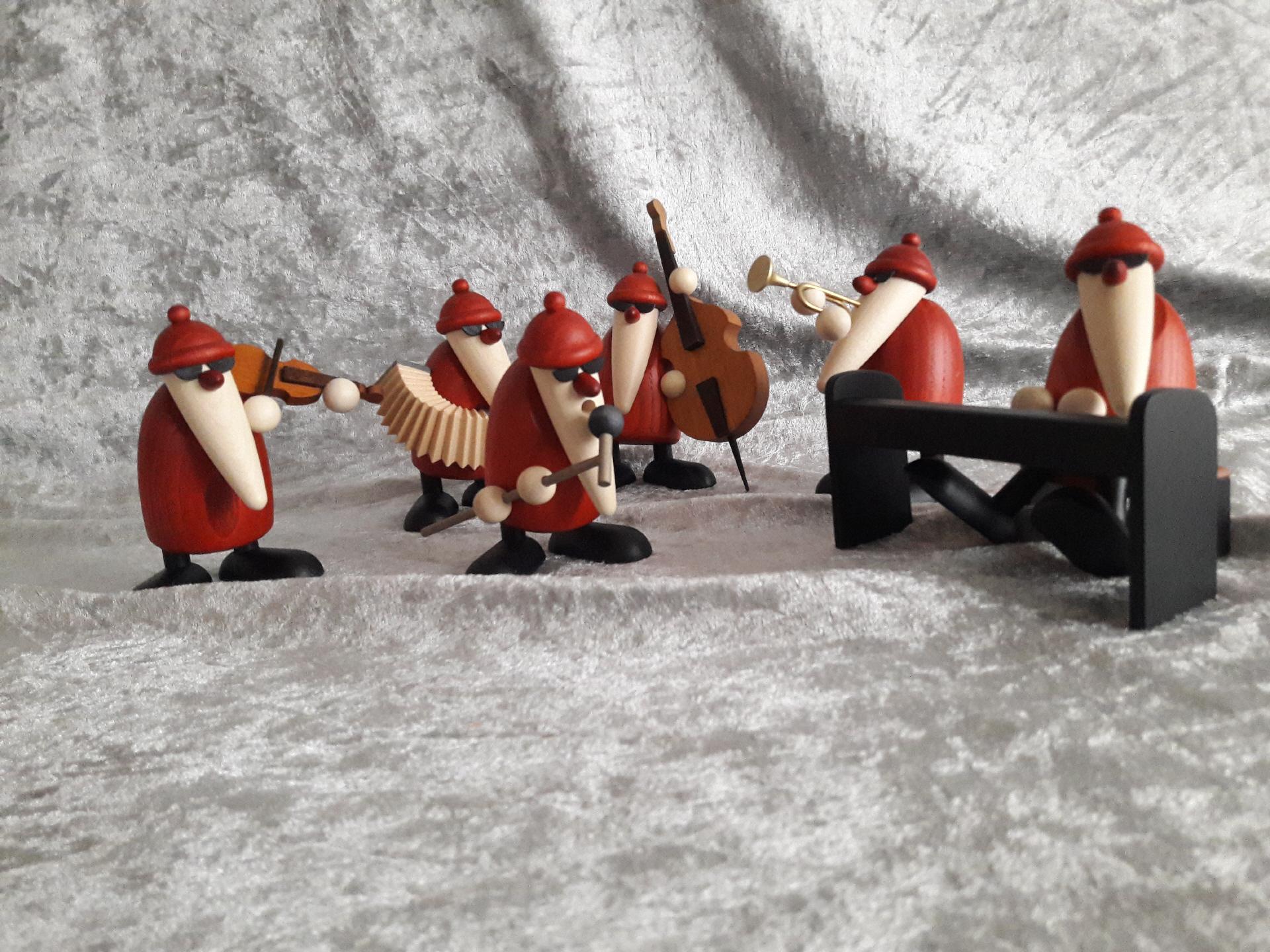 Neu 2019 Weihnachtsmann mit Geige Björn Köhler